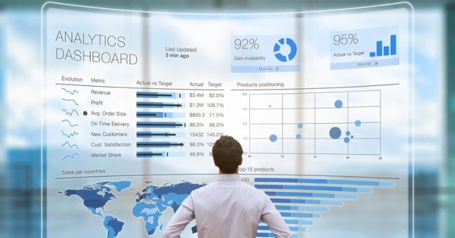 Analytics Dashboard Tracking Revenue-1