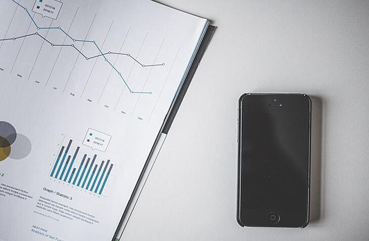 Financial Graph and iPhone | Elevator Agency